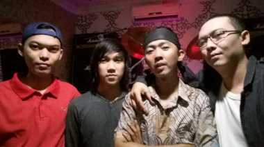 Tanpa 'Garasi', Band S93 Tunjukan Eksistensi