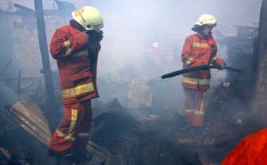 Gudang Kayu di Ciledug Hangus Dilalap Api