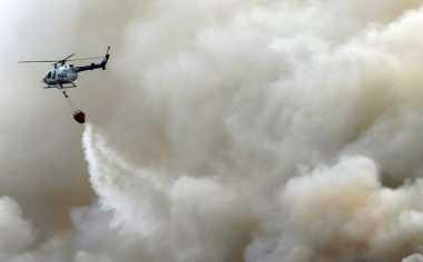 """Dikepung Kabut Asap, 2 Helikopter BNPB """"Bom"""" Bengkalis"""