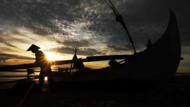 Gelombang 3 Meter, Nelayan Bengkulu Tetap Melaut