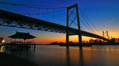 Jembatan Barito Spot Favorit di Banjarmasin