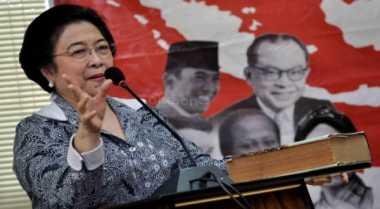 Mega Absen di Acara Tahlil KH Hasyim Asy'ari & Bung Karno