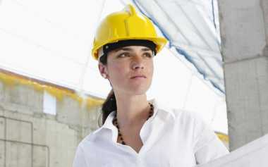 Riasan Wajah Wanita Pekerja Indoor dan Outdoor