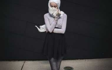 Padu Padan Hijab Bernuansa Monokrom