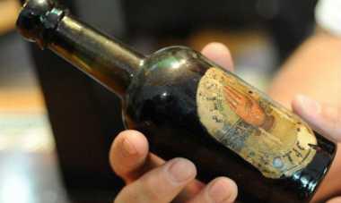 Botol Bir Usia 140 Tahun Ditemukan dalam Garasi