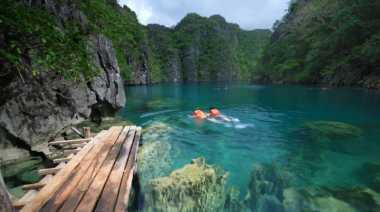 Membelah Keindahan Pulau Terindah di Filipina
