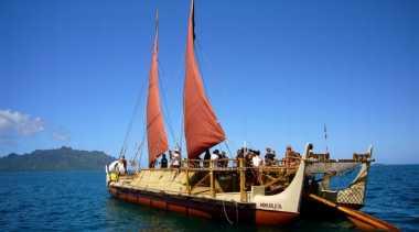 Kapal Tradisional Amerika Serikat Sambangi Bali