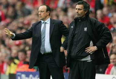 Benitez Tak Tanggapi Komentar Pedas Mourinho