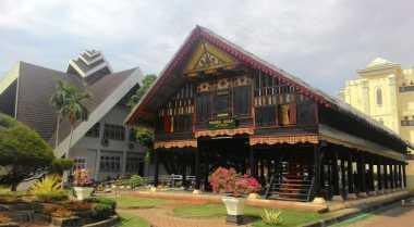 Turis Asing Ramaikan Pameran Seabad Museum Aceh