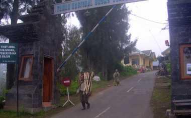 Jalan Jemplang Ditutup, Wisatawan Bromo Diberi Dua Alternatif