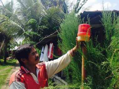 Warga Bengkulu Pasang Alat Peringatan Gempa Berpotensi Tsunami
