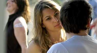 Trik Menyelidiki Perselingkuhan Pria