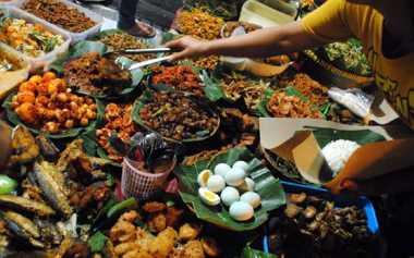 Kulineran di Kawasan Blok M, Wajib Cicipi Nasi Goreng Ini