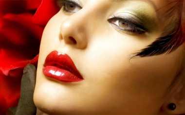 Warna-Warna Lipstik Wajib Anda Miliki