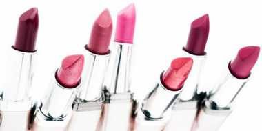 Pilihan Warna Lipstik Sesuai Warna Kulit