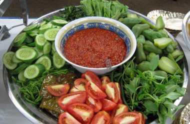 Tips Cuci Sayuran untuk Lalapan ala Yassovi 'Idol'