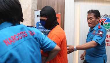 Ibunda Bantu Polisi Pergoki Eza Gionino Gunakan Narkoba