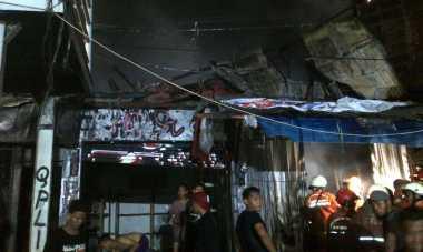 Bakar Sampah Diduga Pemicu Kebakaran Pasar Gembrong
