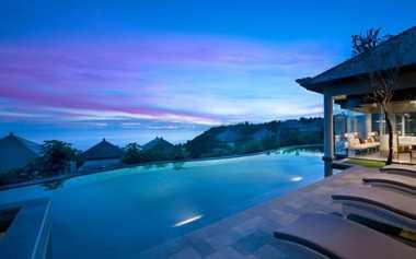 Bali Punya Kolam Renang dengan Pemandangan Tak Biasa