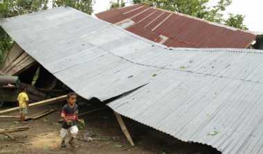 Puting Beliung Rusak 16 Rumah dan Tiga Gudang di Muntok