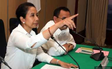 Jokowi Seharusnya Me-Reshuffle Menteri Rini