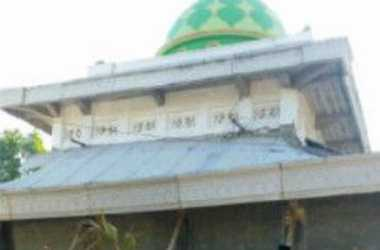 Masjid di Pamekasan Ambruk Padahal Baru Berusia Tiga Tahun