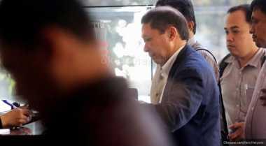 RJ Lino Kebingungan saat Ruangannya 'Diacak-acak' Polisi