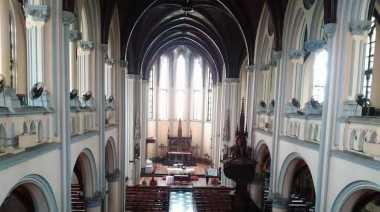 Begini Isi Dalam Gereja Katedral