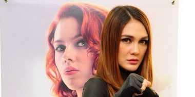 Busana Luna Maya Jadi Kejutan Video Klip Gio 'Idol'
