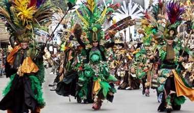 Catwalk Jember Fashion Carnaval Terpanjang di Dunia