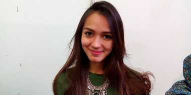 Tak Sengaja Mencoba, Melayu Nicole Ketagihan