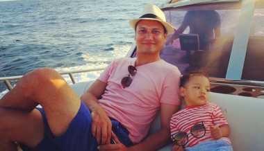 Menjadi Ayah, Lima Selebriti Ini Makin Keren