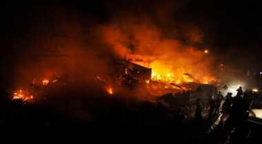 Ruko Gudang Sembako di Batam Ludes Terbakar