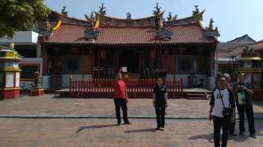 Melihat Vihara Tertua di Kota Udang
