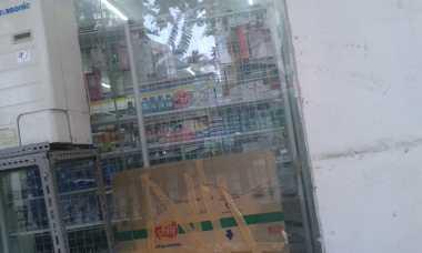 Maling Bobol Minimarket di Stasiun Cikini