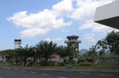 Imbas Letusan Lokon, Bandara Sam Ratulangi Ditutup