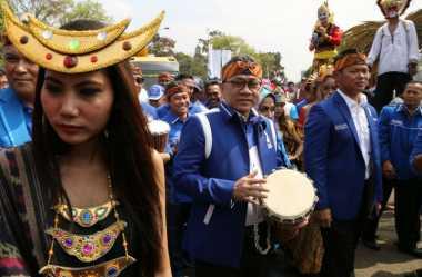 Ketua MPR Angkat Bicara soal Bentrok TNI vs Warga