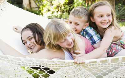 Alasan Positif Anak Diajarkan Tersenyum