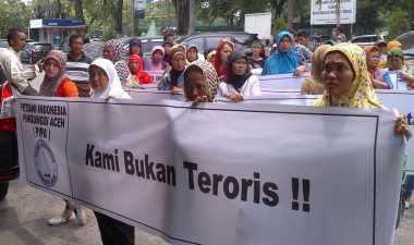 Pengungsi Konflik Aceh Geruduk PN Medan