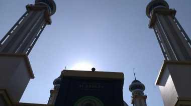 Melihat Sisi Keindahan Masjid Agung Bekasi