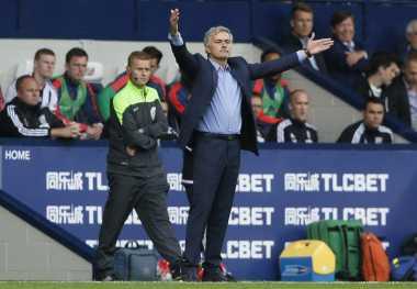 Mourinho Kembali Mengeluh