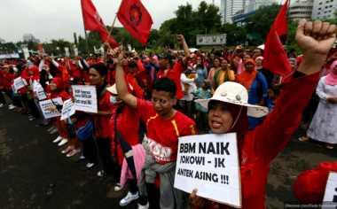 Tak Bertemu Menteri Hanif, Buruh Tinggalkan Kemenakertrans