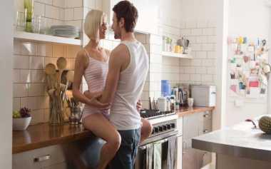 Posisi Seks yang Membantu Turunkan Berat Badan