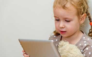 Waktu Maksimal Anak Boleh Bermain Gadget