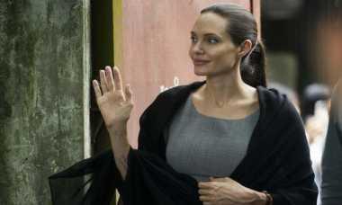 Merasa Dibohongi, Angelina Jolie Stop Bantu Badan Amal