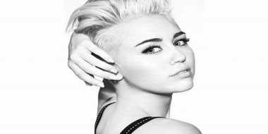 Dewan Orangtua Televisi Kritik Ulah Miley Cyrus Di MTV VMAs