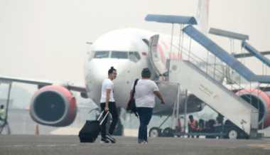 10 Penerbangan Ditunda, Penumpang Bandara Pekanbaru Telantar