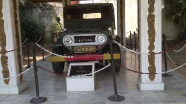 Mobil Soeharto di Monumen Pancasila Sakti