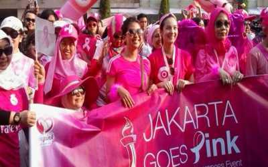 Peduli Kanker Payudara, Jakarta Berubah Lautan Pink
