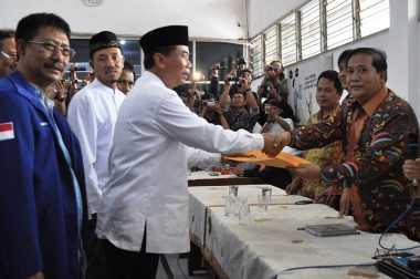 Rentetan Kegaduhan Politik di Pilkada Surabaya (II/Habis)